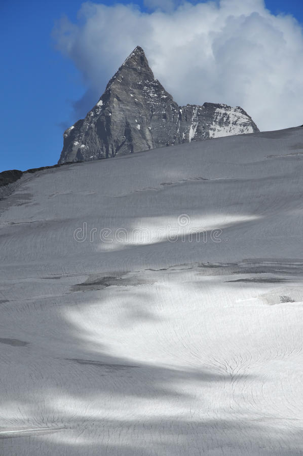 chmurnieje Matterhorn fotografia stock
