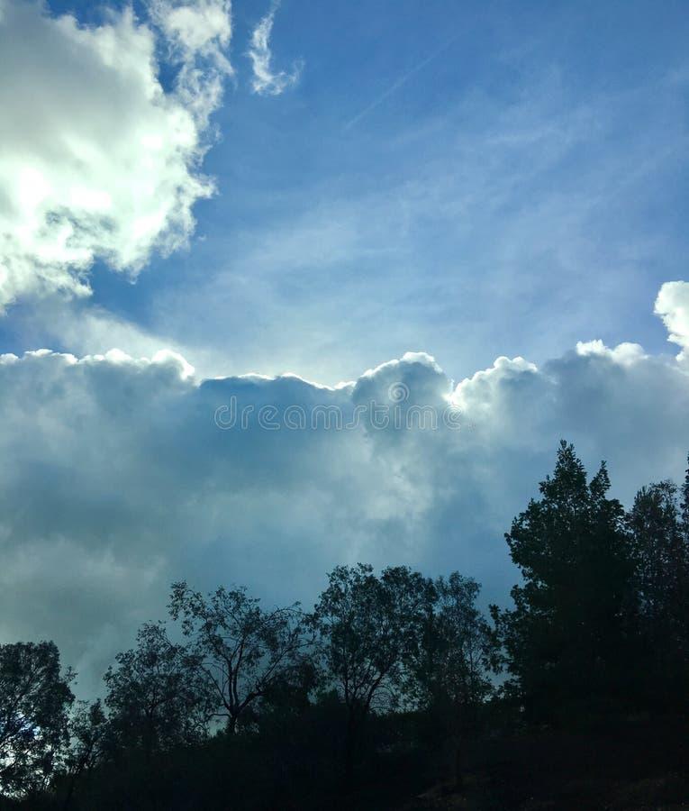 Chmurnieje nadciągającą burzę zdjęcie royalty free