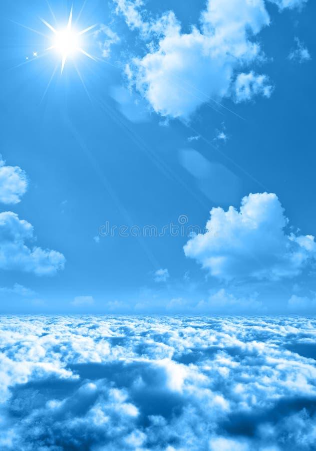 chmurnieje nieba słońce ilustracja wektor