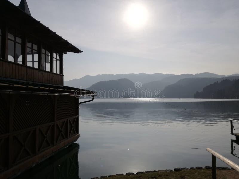 chmurny jezioro fotografia royalty free
