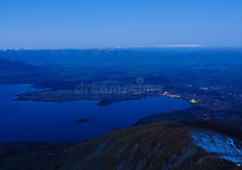 Chmurny nocy przegapiać Jeziorny Wanaka wyspa nowy południowy Zealand zdjęcia royalty free
