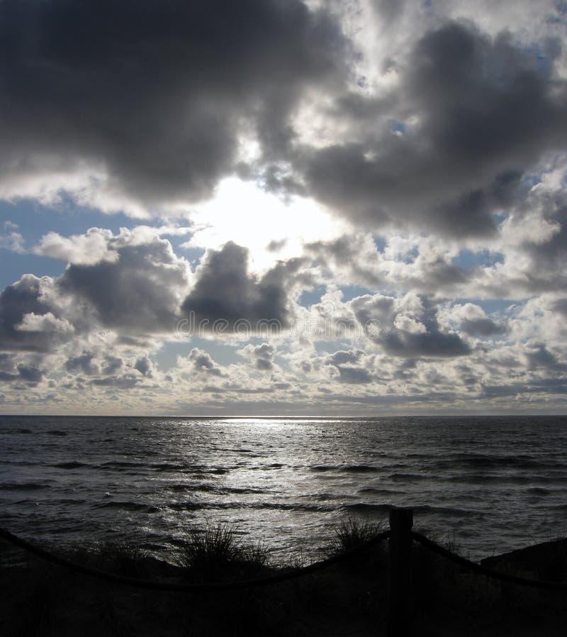 Chmurny zmierzch na Oregon wybrzeżu obraz royalty free