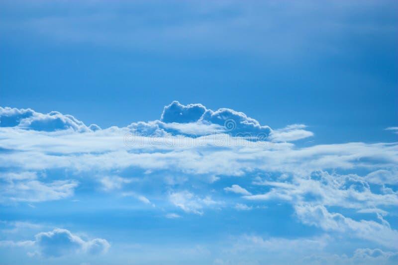 Download Chmury zdjęcie stock. Obraz złożonej z pogoda, chmura, kondensacja - 815570