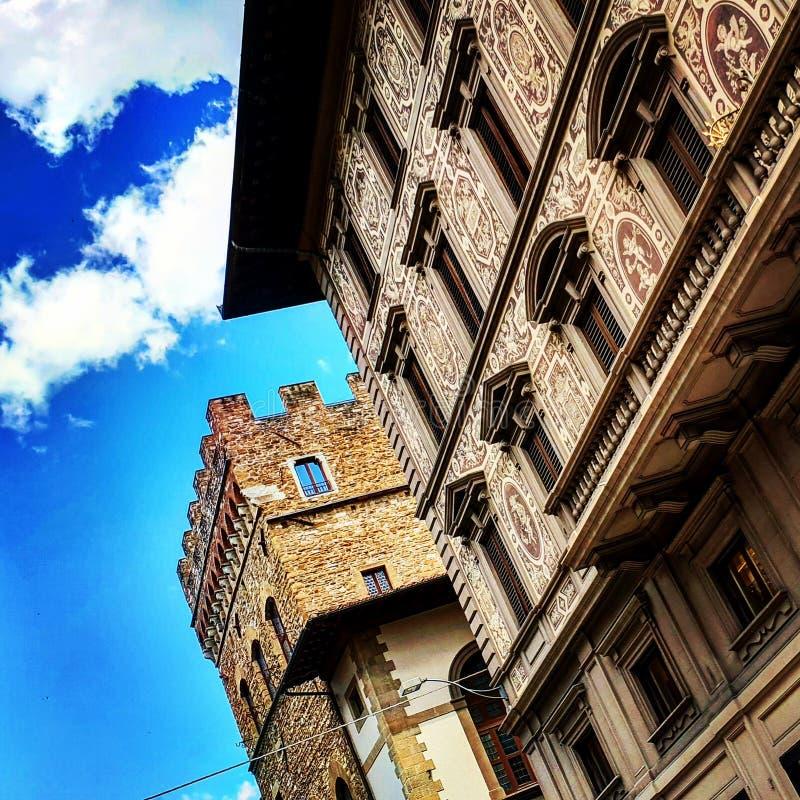 Chmury I architektura zdjęcie royalty free