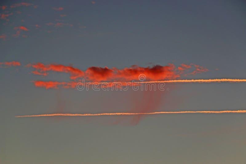 Chmury i opary ślad fotografia royalty free