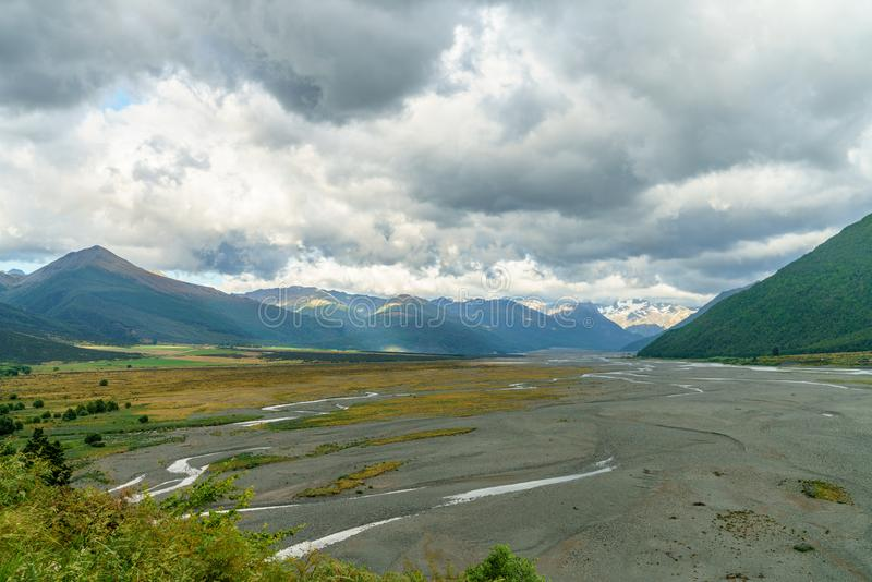 Chmury nad doliną, arthurs przechodzą, nowy Zealand 5 fotografia royalty free