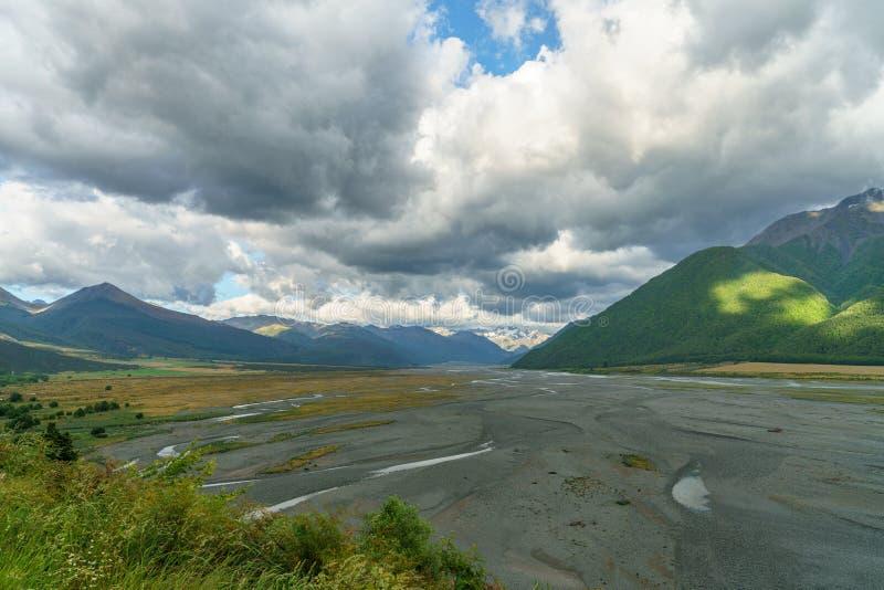 Chmury nad doliną, arthurs przechodzą, nowy Zealand 9 obrazy stock