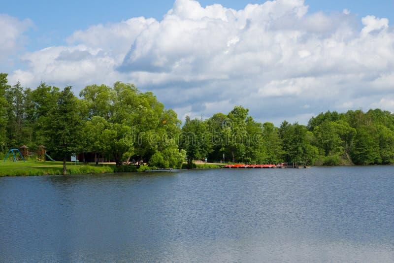chmury nad jezioro fotografia royalty free