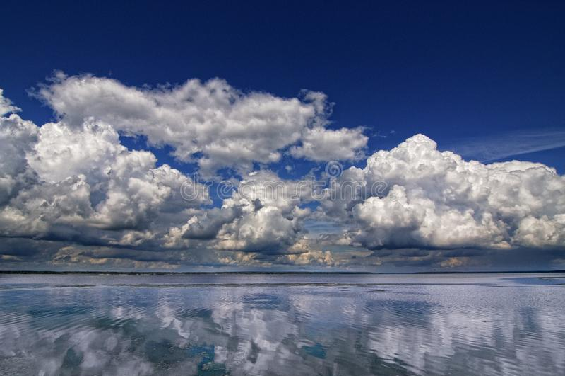 Chmury nad Volga rzek? fotografia royalty free