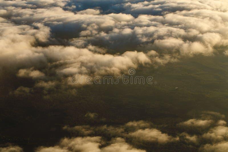Download Chmury Od Wysokości Samolot Zdjęcie Stock - Obraz złożonej z piękno, sceniczny: 53790340