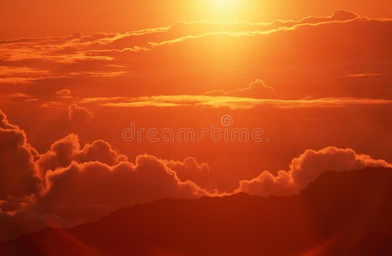 Chmury przy wschód słońca w CZEŚĆ fotografia stock