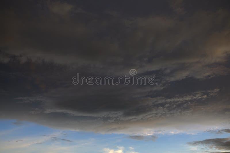 Chmury tworzą podeszczową burzę zdjęcia royalty free
