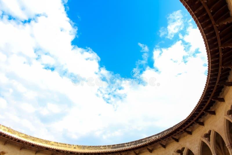 Chmury w dachu obrazy stock