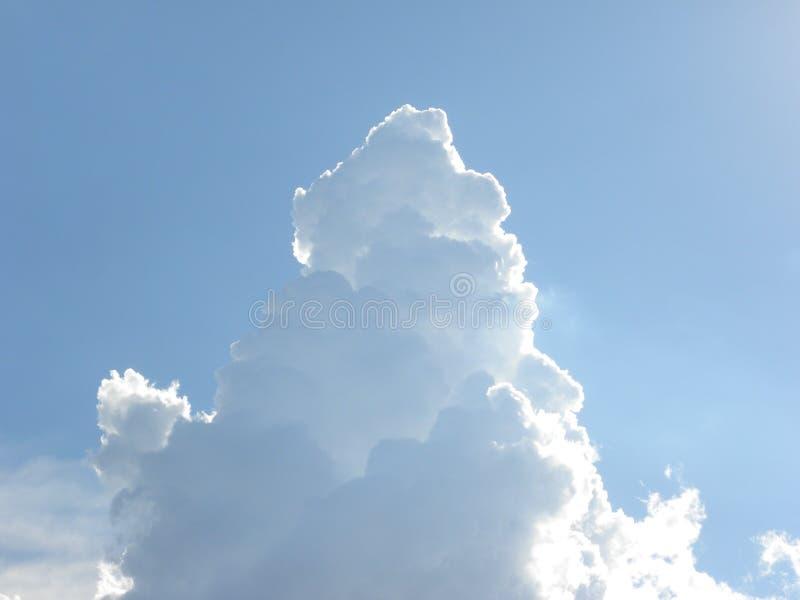 Chmury w kształcie góra obraz stock