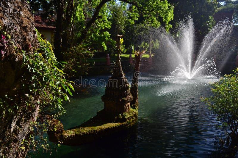 Choang达奥岛洞和湖,泰国 免版税库存照片