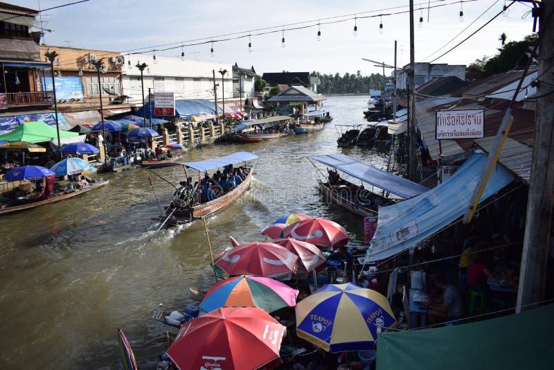 Choas bei Amphawa, Mae-klong Fluss stockbild