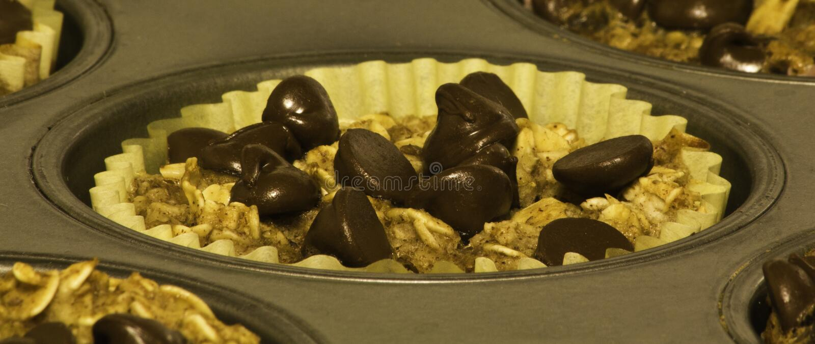 Chocolade Chip Baked Oat Cups stock foto