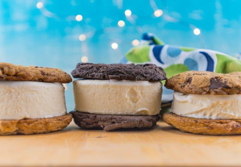 Chocolade Chip Cookie Ice Cream Sandwiches royalty-vrije stock foto's
