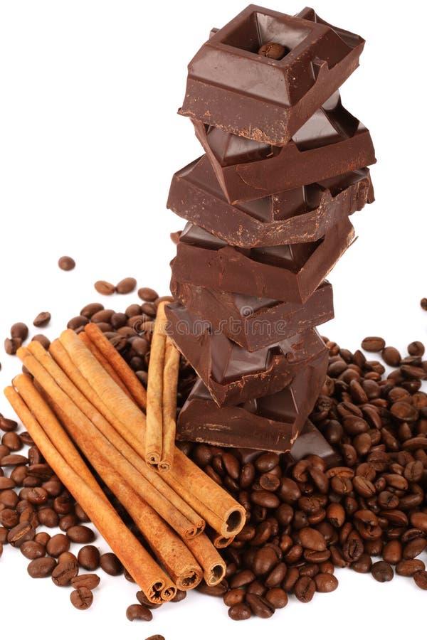 Chocolade, coffe bonen en kaneel royalty-vrije stock foto's