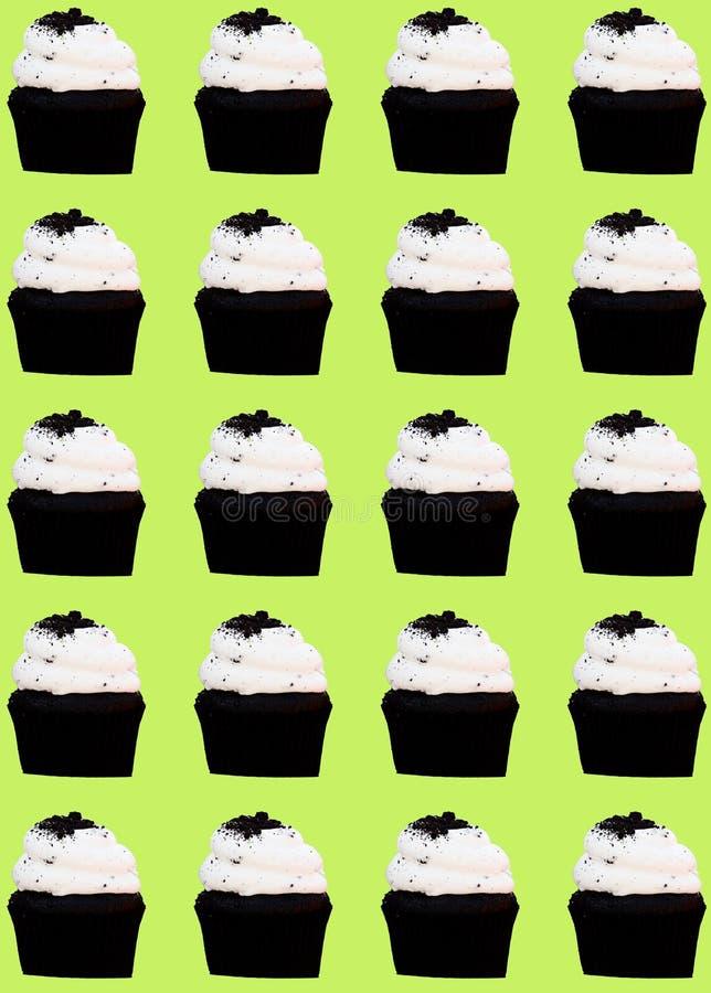 Chocolade cupcake met het patroon van het vanillesuikerglazuur royalty-vrije stock fotografie