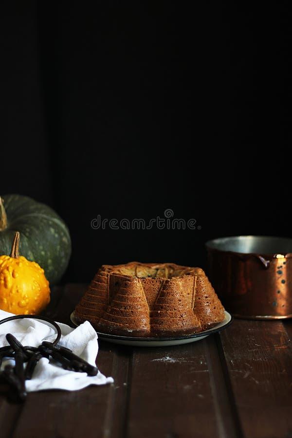 Chocolade en pompoencake royalty-vrije stock foto's