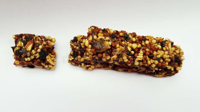 chocolade met noten en droge vruchten stock fotografie