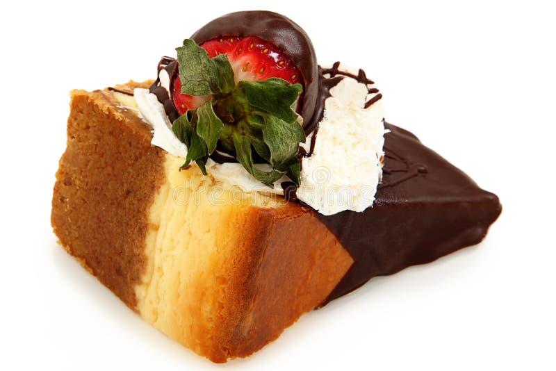 Chocolade Ondergedompelde Kaastaart en Aardbei stock fotografie