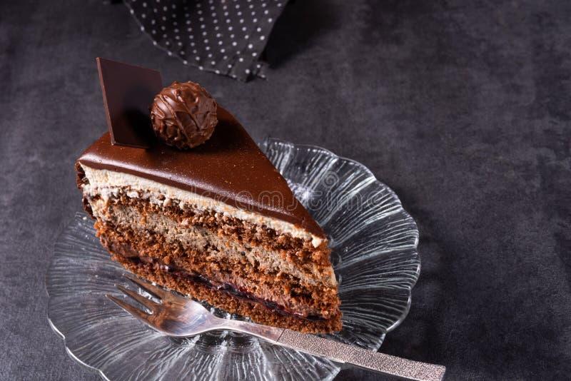 Chocoladecake - Luchtig koekje en een room van room en chocolade royalty-vrije stock foto's