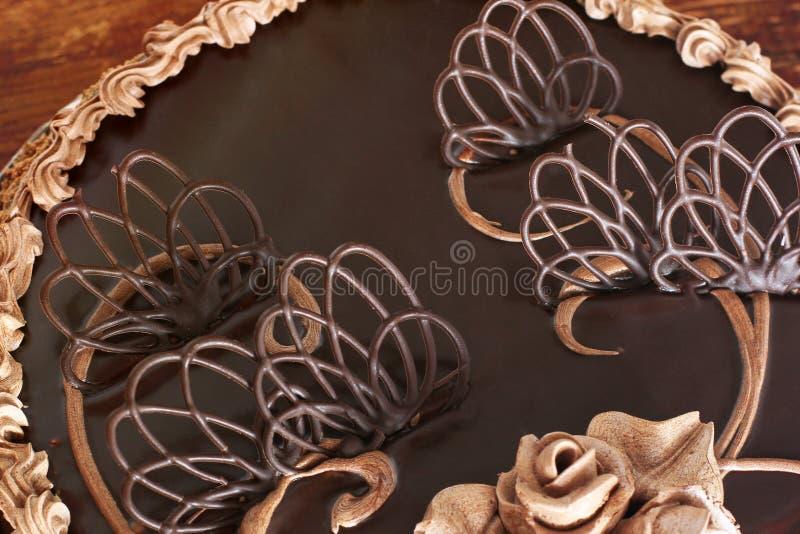 Chocoladecake op de lijst royalty-vrije stock foto's