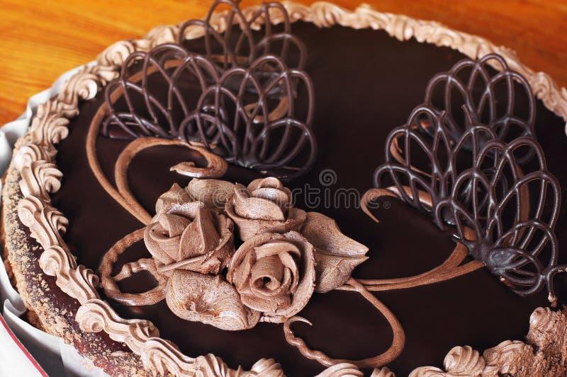 Chocoladecake op de lijst royalty-vrije stock foto