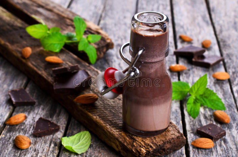Chocolademelk stock afbeeldingen