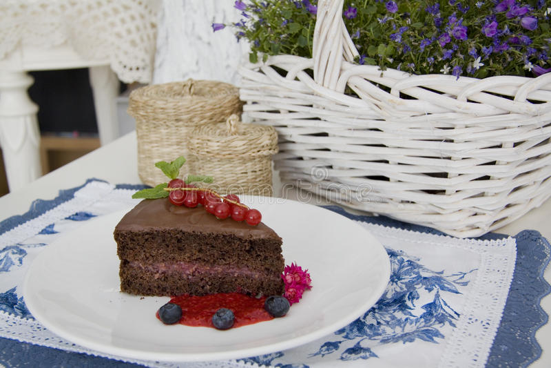 Chocoladepastei met frambozenjam royalty-vrije stock foto's