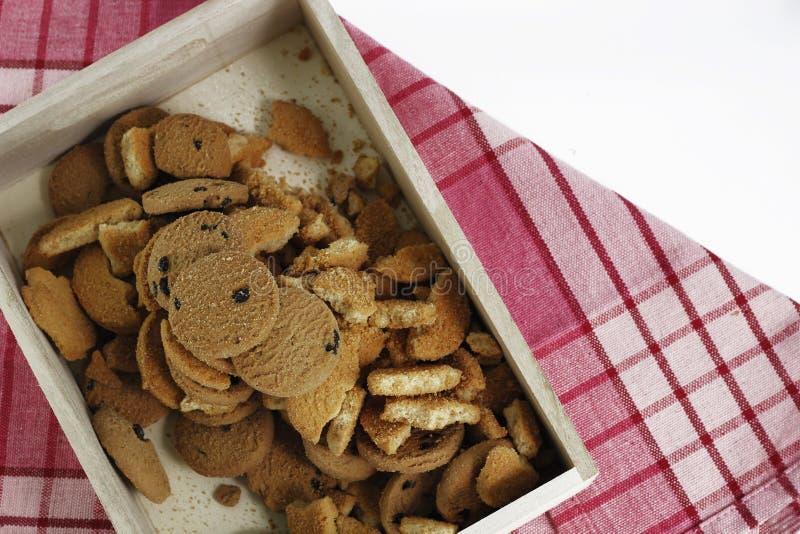 Chocoladeschilferkoekjes, koekjes van het Chocolade de eigengemaakte gebakje in a stock foto's