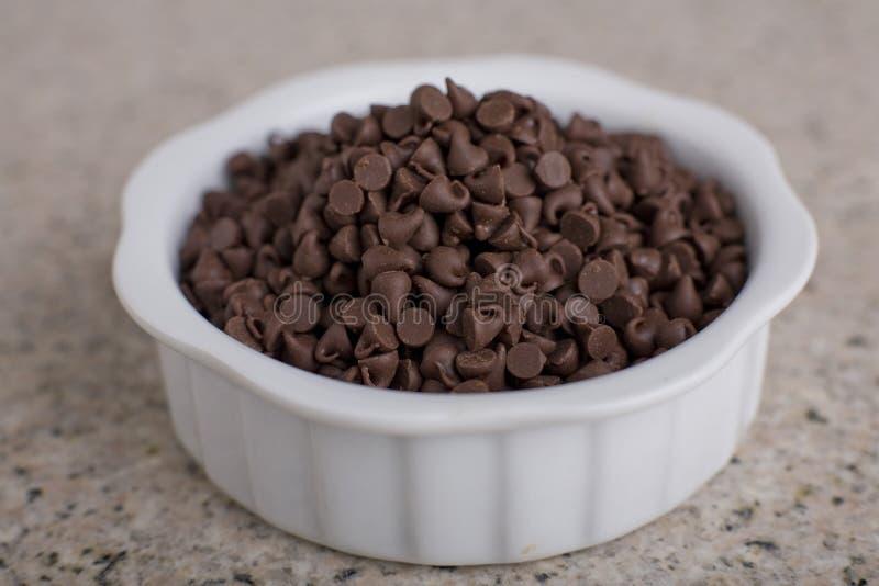 Chocoladeschilfers in Kom 1 royalty-vrije stock foto