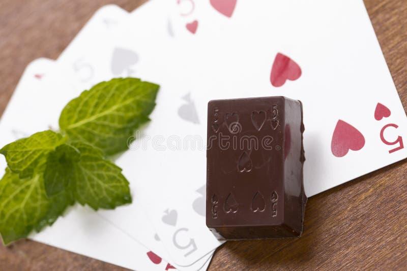 Chocolat avec coloré la décoration photos stock
