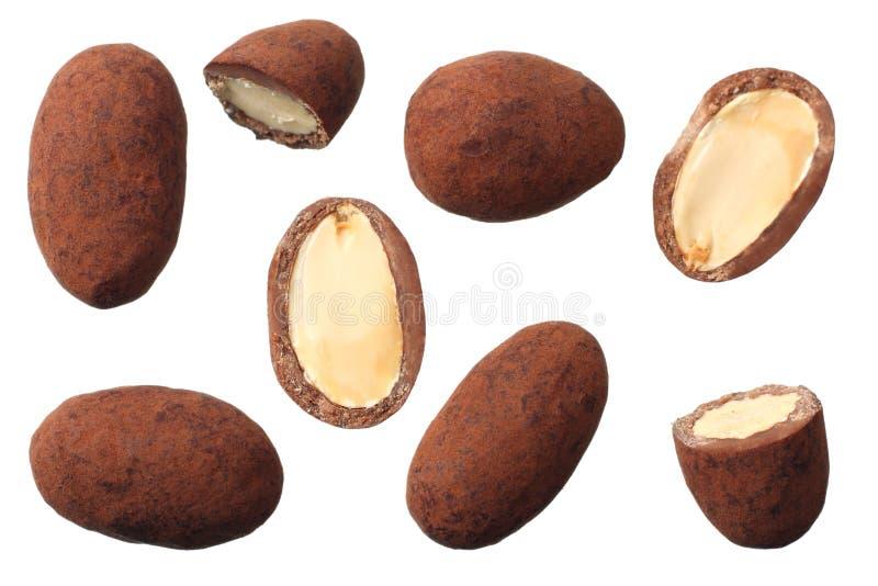 chocolat avec des amandes d'isolement sur le fond blanc Vue supérieure image stock