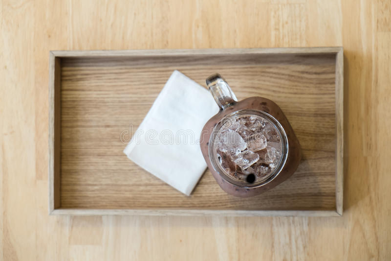 Chocolat glacé dans le plat photographie stock libre de droits