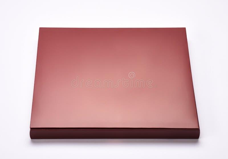 Chocolat ou boîte-cadeau d'isolement sur le blanc photo stock