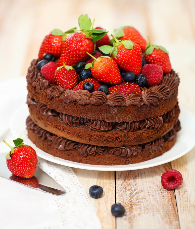 Download Chocolate Cake With Icing And Fresh Berry Stock Image - Image: 28383317