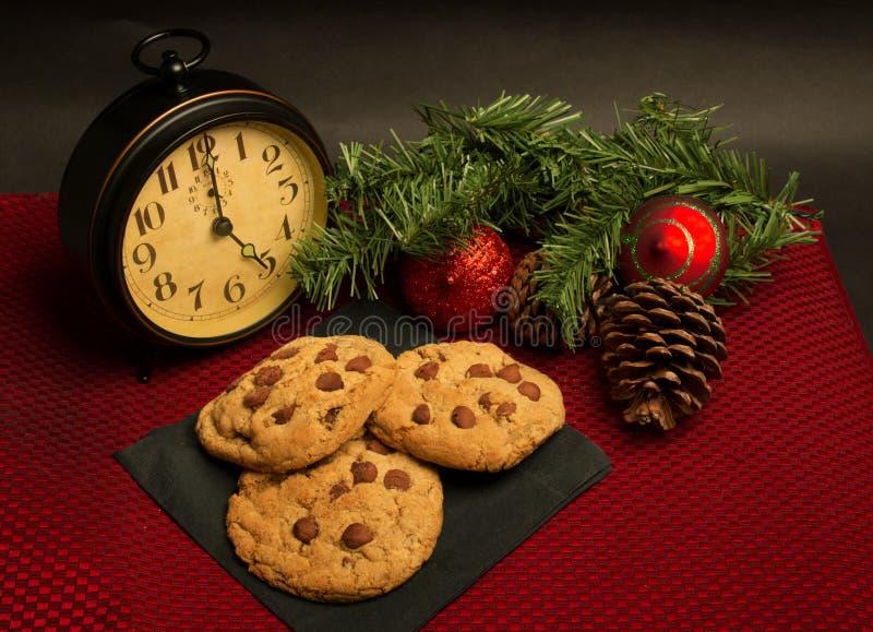 Chocolate Chip Cookies para el día de fiesta de la Navidad foto de archivo libre de regalías