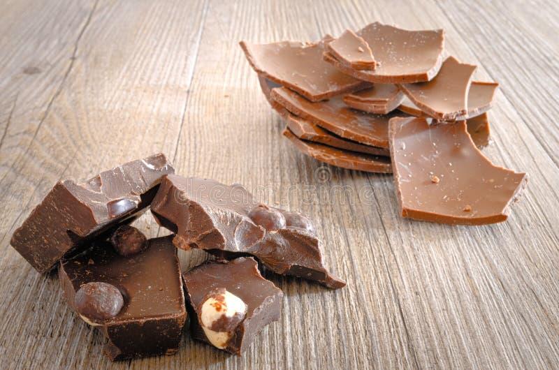 Chocolate con las avellanas imagen de archivo