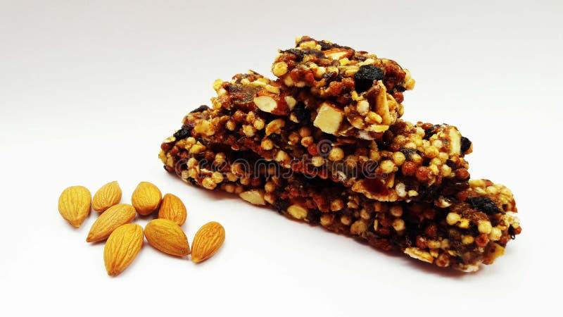 chocolate con las nueces y las frutas secas imagen de archivo libre de regalías