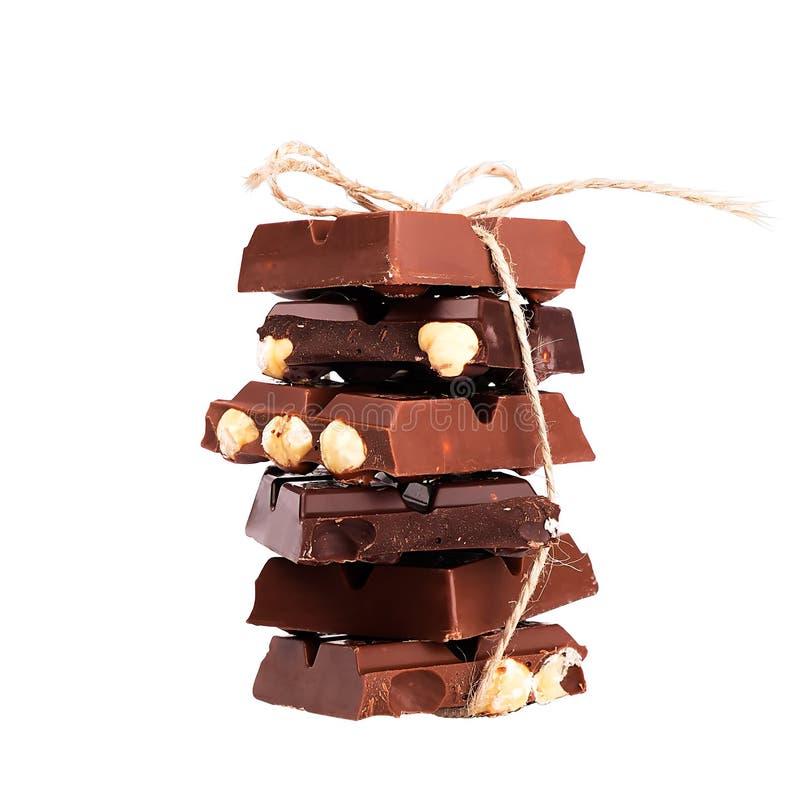 Chocolate con las tuercas aisladas fotos de archivo