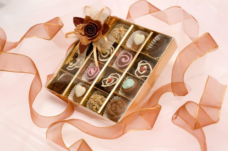 Chocolate de la tarjeta del día de San Valentín fotografía de archivo