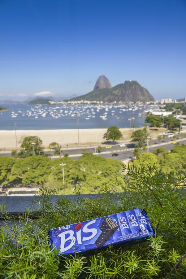 Chocolate del Bis que pasa por alto a Sugar Loaf Mountain Rio de Janeiro, el Brasil fotografía de archivo libre de regalías