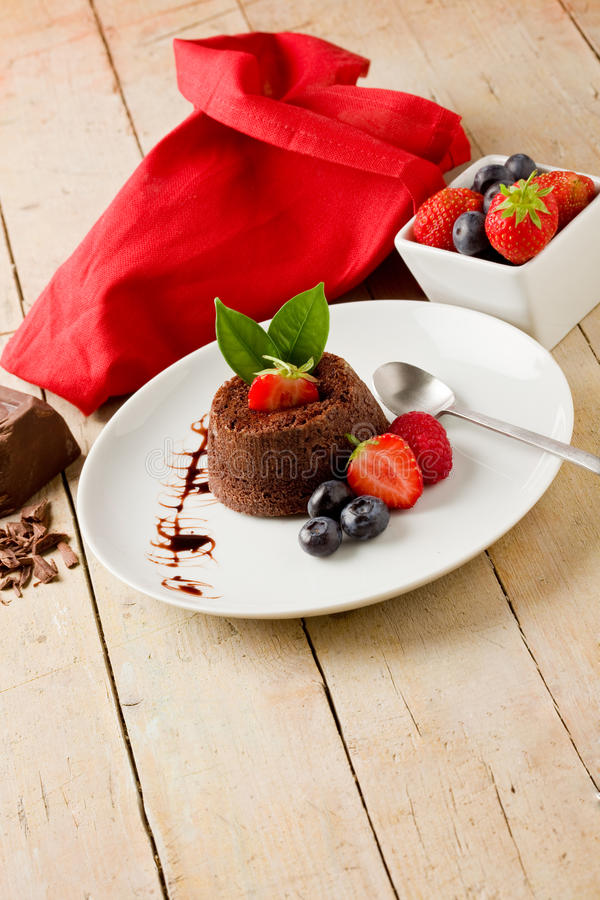 Free Chocolate Dessert With Berries Royalty Free Stock Images - 20400239
