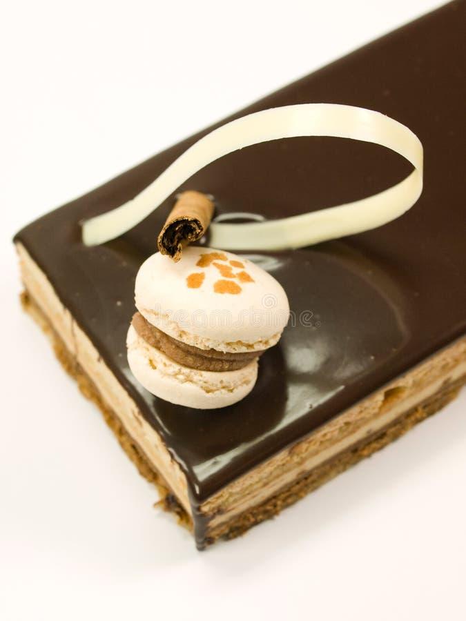 Chocolate do bolo com creme fotografia de stock royalty free