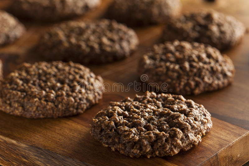Chocolate doble Chip Oatmeal Cookies fotos de archivo libres de regalías