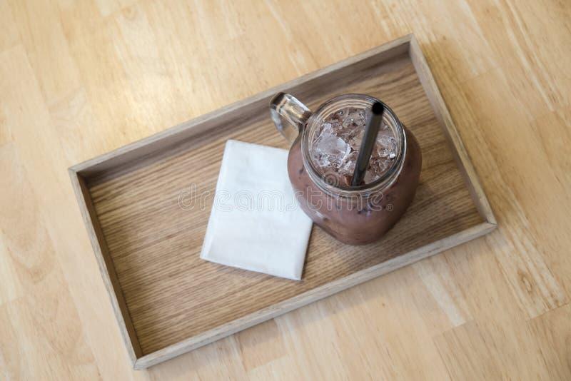 Chocolate helado en la placa imágenes de archivo libres de regalías