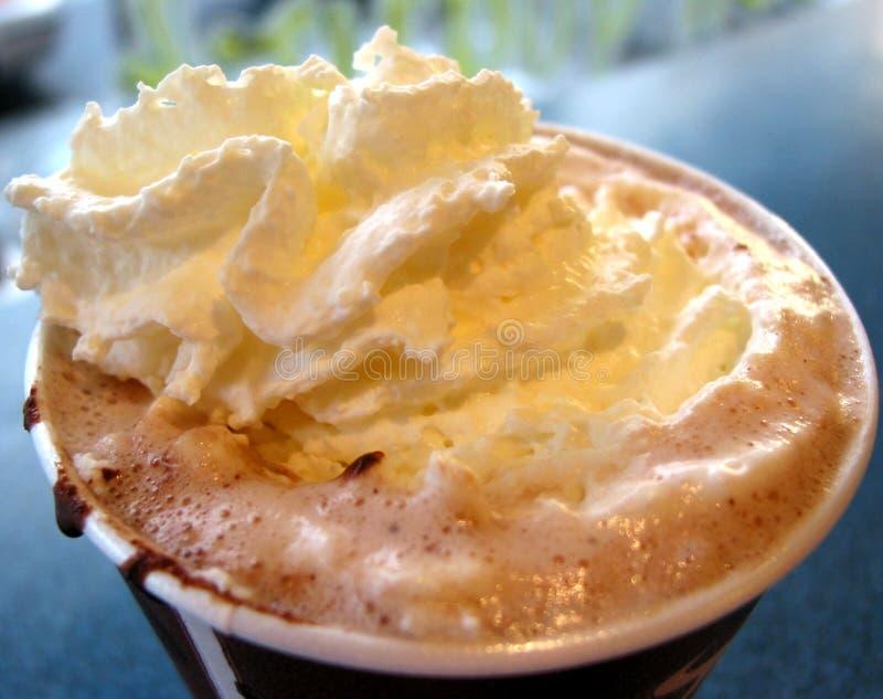 Chocolate Quente Com Creme Wipped, Close Up Fotografia de Stock Royalty Free